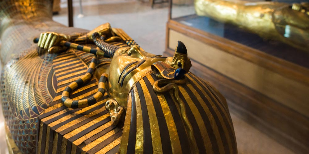 Egyptian Museum - Cairo and Giza Pyramids from Makadi by flight and return by bus - Tours from Hurghada