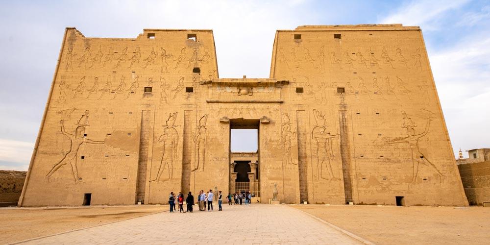 Den Edfu Tempel - 4 Täge Luxor und Aswan Nilkreuzfahrt von Makadi - Tours from Hurghada