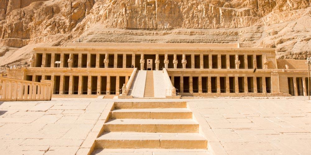 Den Hatschepsut Tempel - Tagesausflug von Makadi nach Luxor - Tours from Hurghada
