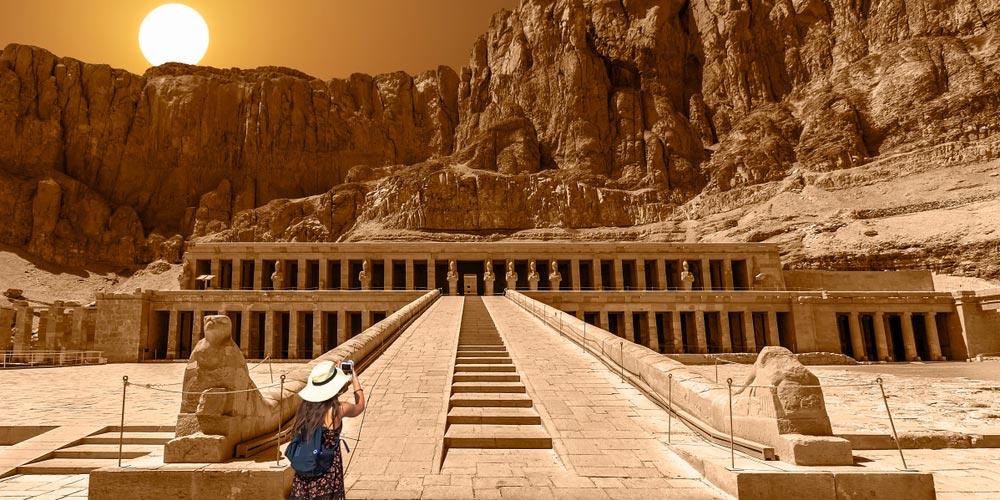 Den Hatschepsut Tempel - Tagesausflug von Marsa Alam nach Luxor - Tours from Hurghada