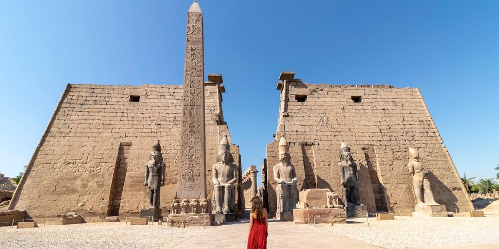 Den Luxor Tempel - 2 Tägiger Ausflug nach Luxor von EL Gouna - Tours from Hurghada