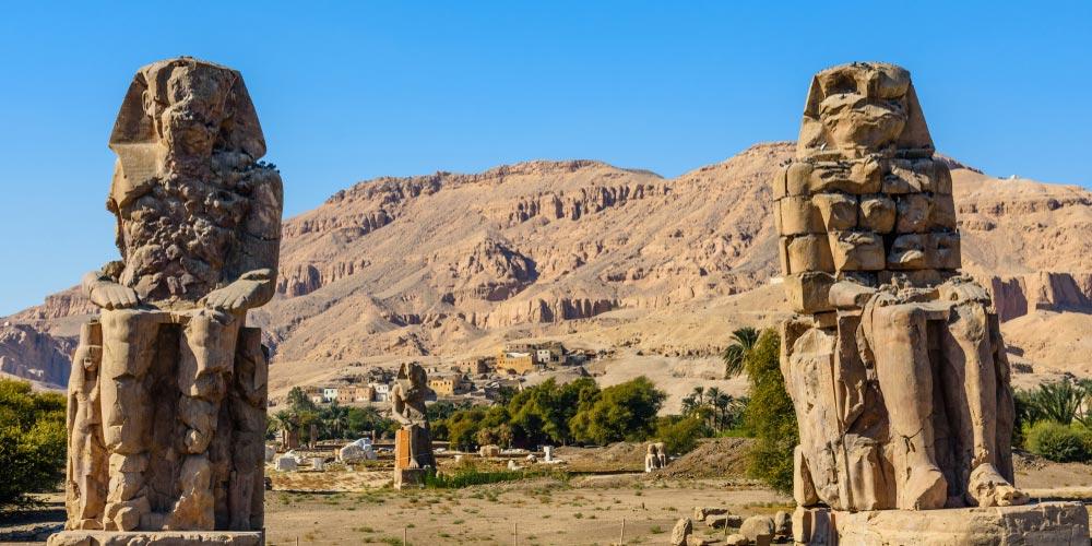 Die Memnon Kolosse - 2 Tägiger Ausflug nach Kairo und Luxor von Makadi - Tours from Hurghada
