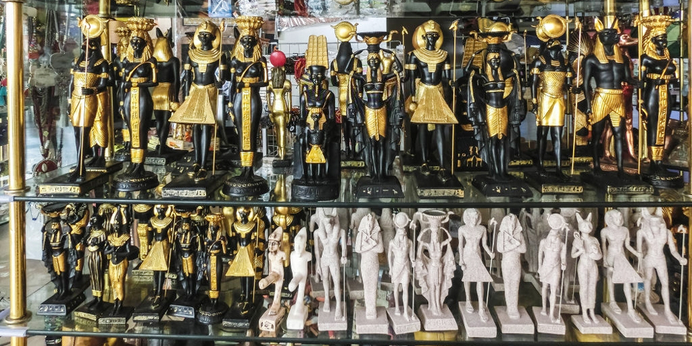 Ancient Egyptian Artifacts Replicas Shop - Tours from Hurghada